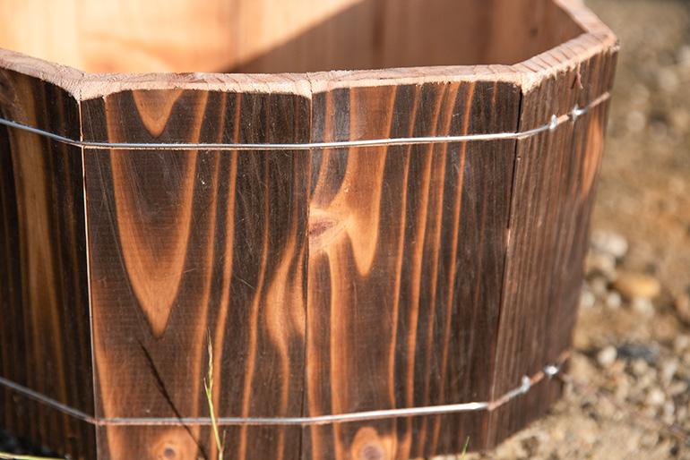 高い耐久性を誇る焼杉