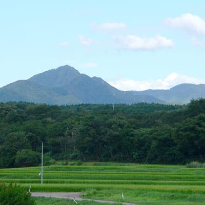 名峰・光兎山から流れ込む清らかな水