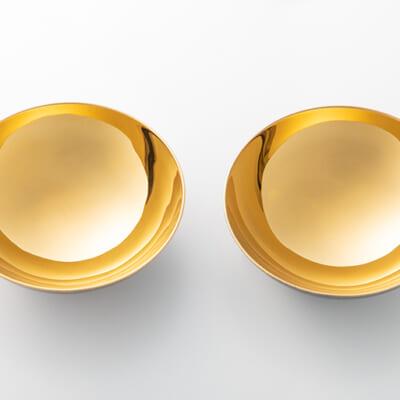 銅ならではの明るく荘厳な金色