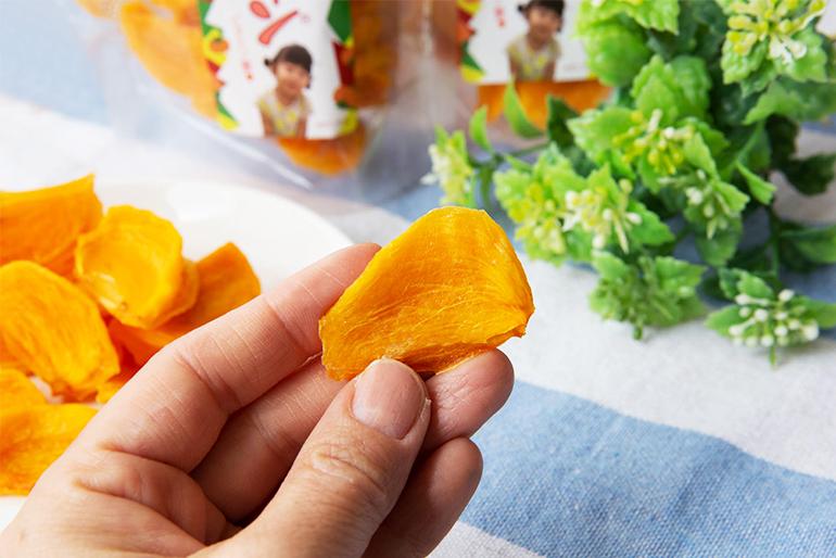 ほどよい食感と甘さが人気の新感覚干し柿「かきリン」