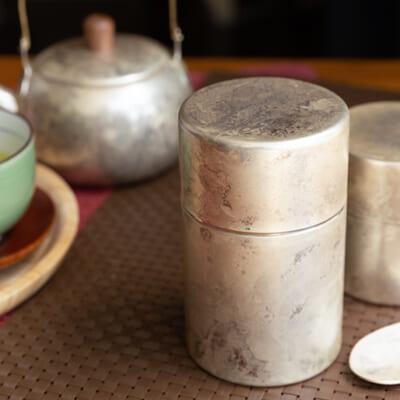 伝統の技が織りなす美しい茶器