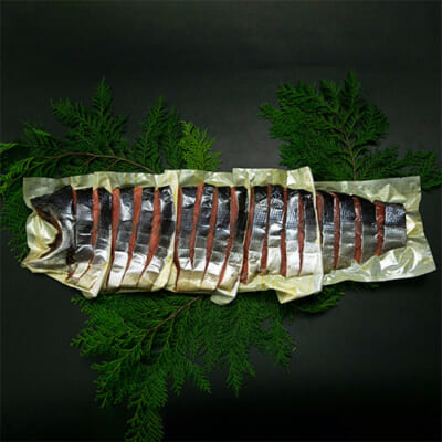 塩引き鮭 姿造り 半身分 約1.4kg(化粧箱入)