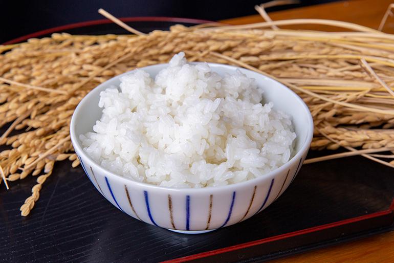 うま味あふれる銘米「新潟産コシヒカリ」