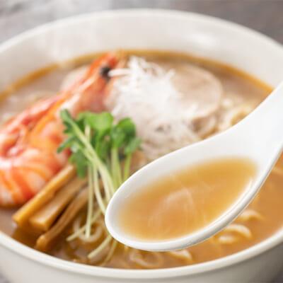 驚くほど濃厚!旨味がガツンとくる濃厚スープ
