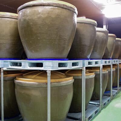 陶製の瓷で発酵・熟成