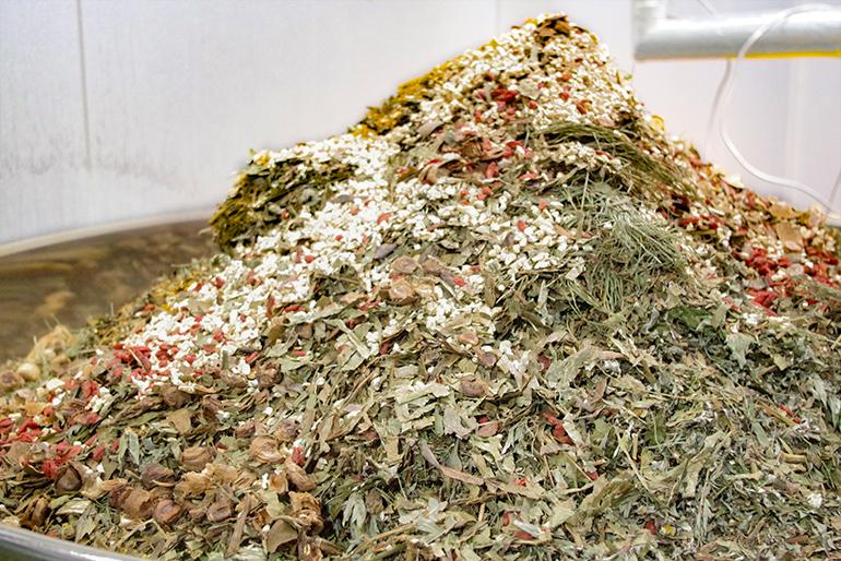 「発酵」に最適な上越市で製造される「野草酵素」