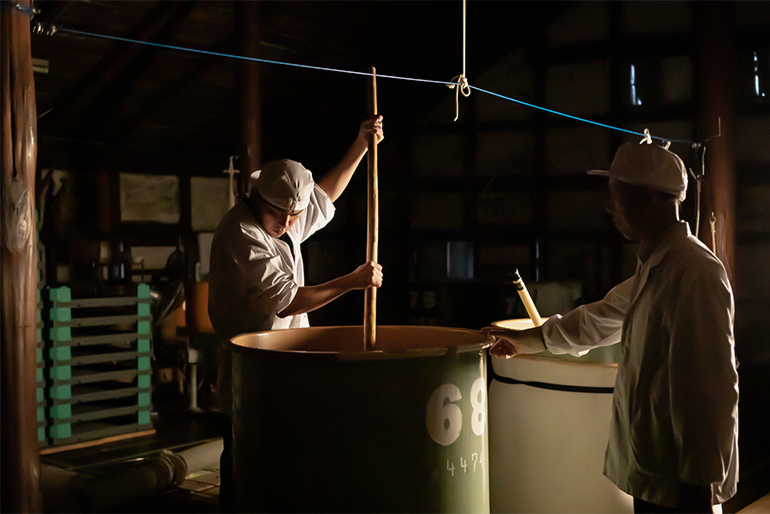 長岡の風土に適した「寒仕込み」で、きめ細かな日本酒に