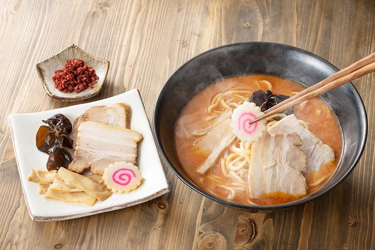 お店で一番人気のスープは「しお」!