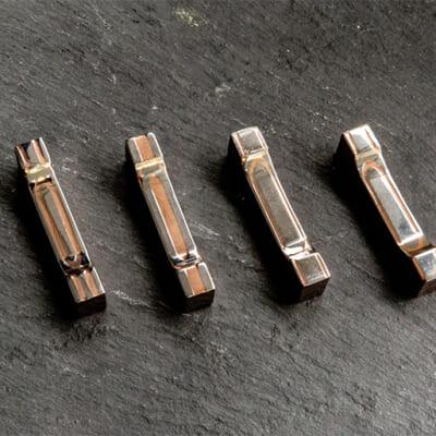 ステンレスと銅が織りなす美しい模様の箸置き