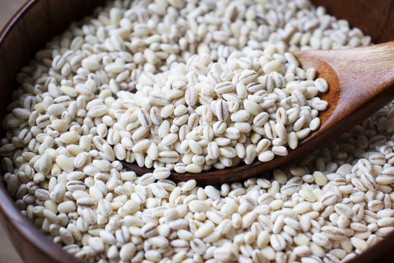 食物繊維が豊富な「もち麦麺めん」