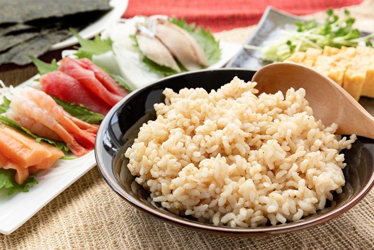 豊富な栄養と手軽さが嬉しい「発芽玄米鮨飯」