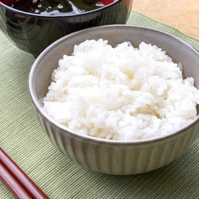 キラキラと輝くみずみずしいお米