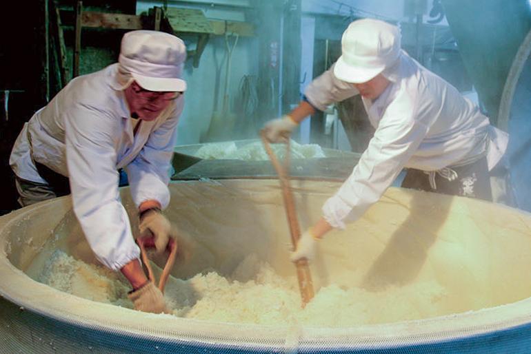 地産地消にこだわり、新潟県産米を100%使用