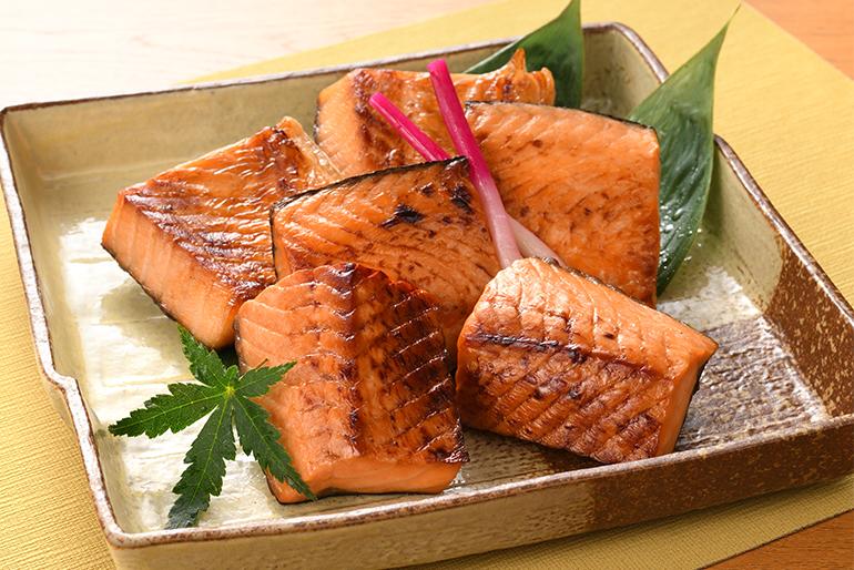 割烹ふじ田の看板商品「鮭の味噌漬」