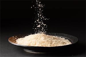 1.素材の味を引き立たせる特製米パン粉