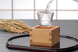 1.新潟の上質な地酒で煮込む