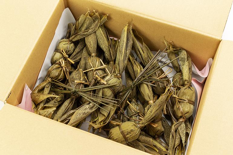 自社で炊き上げた風味豊かな粒あんを使用
