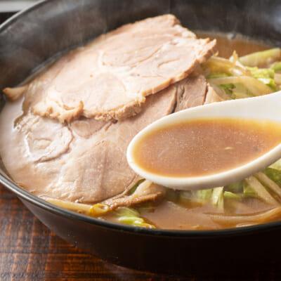香り高く奥深い風味の濃厚味噌スープ