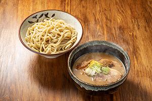 2.濃厚煮干しつけ麺