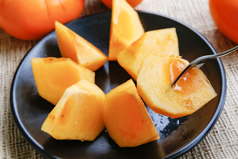 濃厚な甘さととろける食感、惣左ヱ門の「八珍柿」