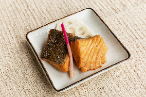 8.鮭塩糀漬け