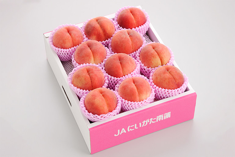 糖度13度以上の桃だけを詰めた「糖鮮確実」
