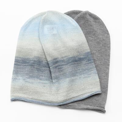 amuamuのニット帽子 オーガニックコットン(黒ゴマ)・かすり(空の海)