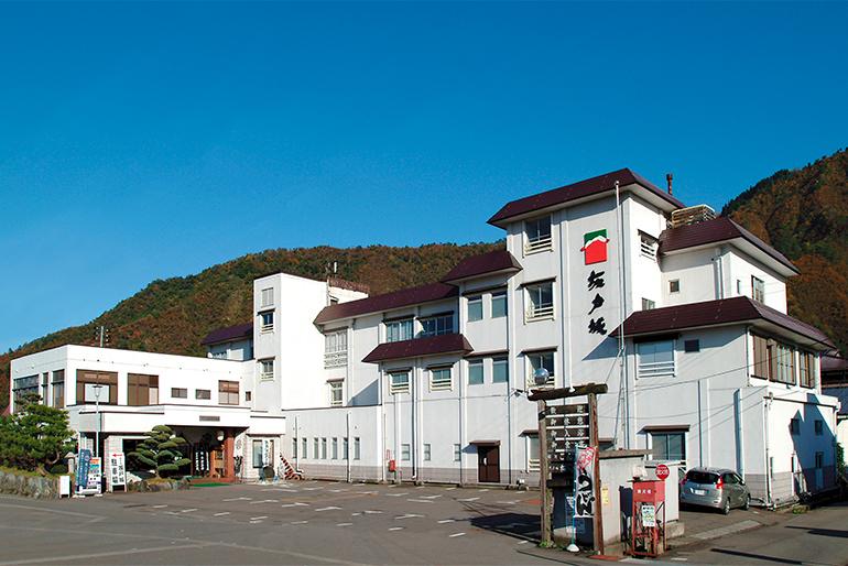 南魚沼市の老舗温泉宿「坂戸城」