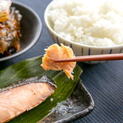 ご飯の箸を進める塩味とうま味