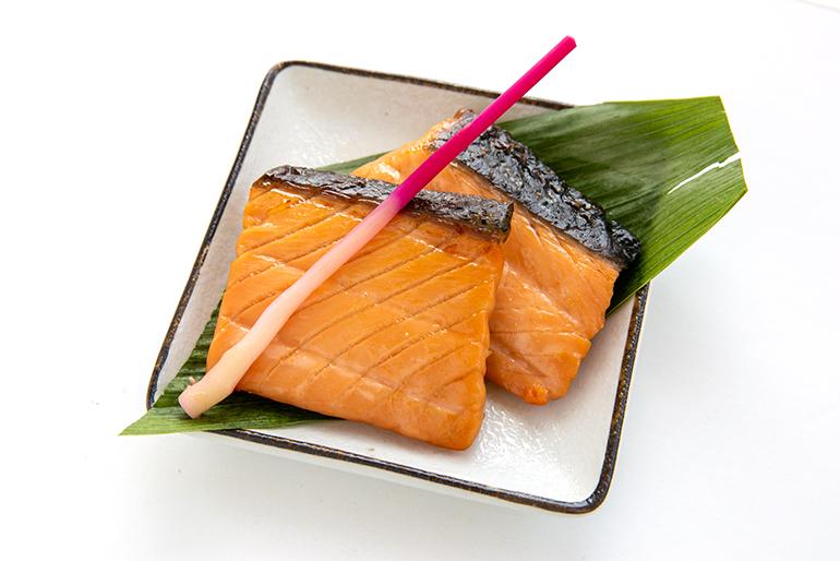 味噌の香ばしさと鮭のうま味が美味しい味噌漬け