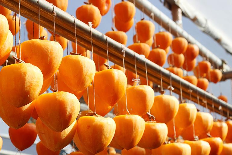 甘みが凝縮!佐渡産の濃厚~な「干し柿」