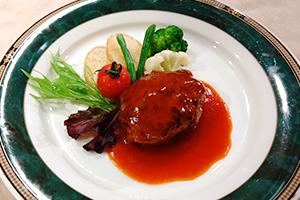 2.にいがた和牛&越乃黄金豚ハンバーグ