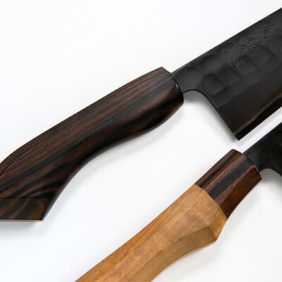 柄には縞黒檀と山桜の高級木材を使用