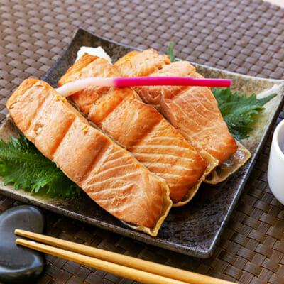 淡麗辛口な新潟の日本酒と合わせて楽しんで