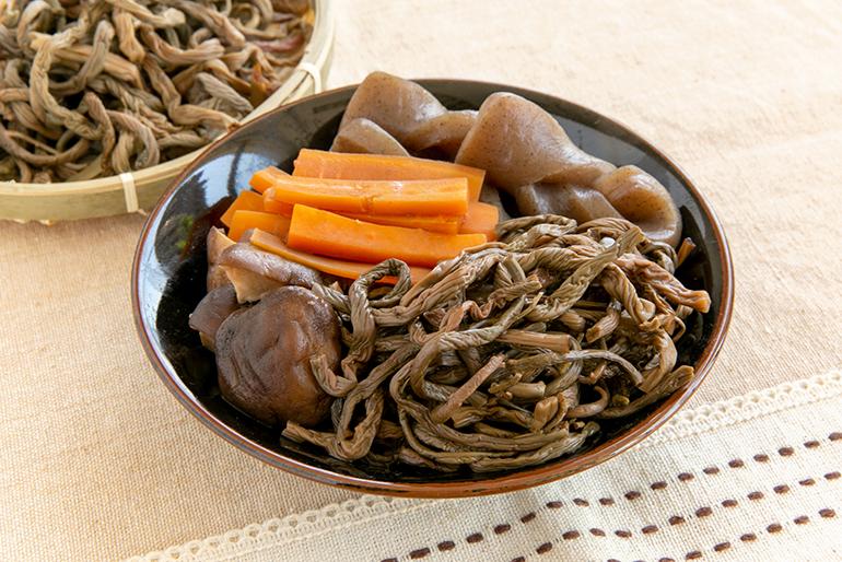 山菜ならではの風味を通年で楽しめる!