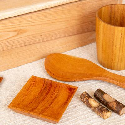 お米の美味しさを引き立てる木製食器
