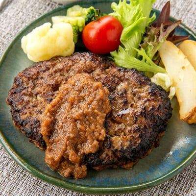 牛肉と豚肉の配合を6:4で作ったハンバーグです