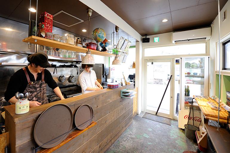 古民家風Cafe「LEATHER TRAMP KITCHEN」