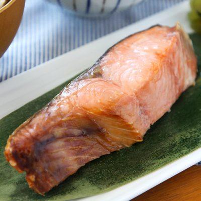 """新潟県村上市の名物""""塩引き鮭"""""""