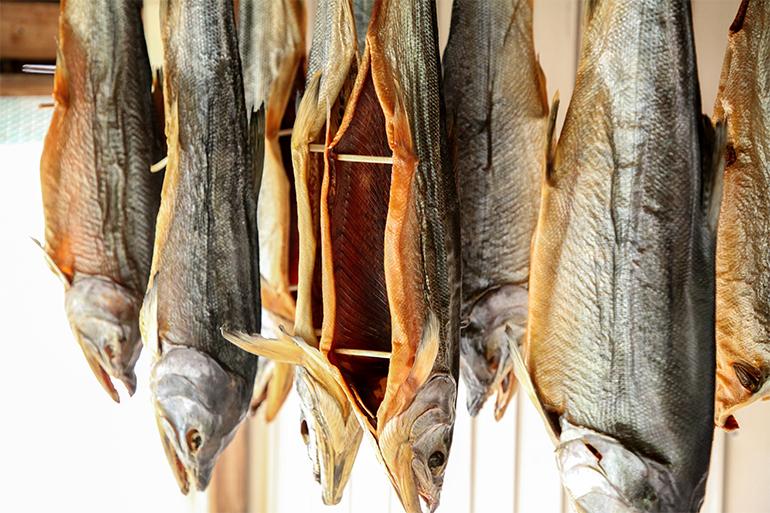 村上市の風物!こだわりの製法の「塩引き鮭」