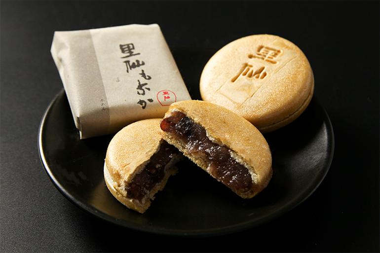 新潟古町名物和菓子「里仙もなか」