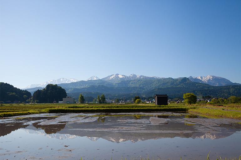 2,000m級の山々から注ぐ、酸素たっぷりの雪解け水