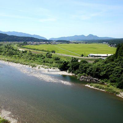 日本一きれいな一級河川と評価を受けた、荒川のきれいな水を使用