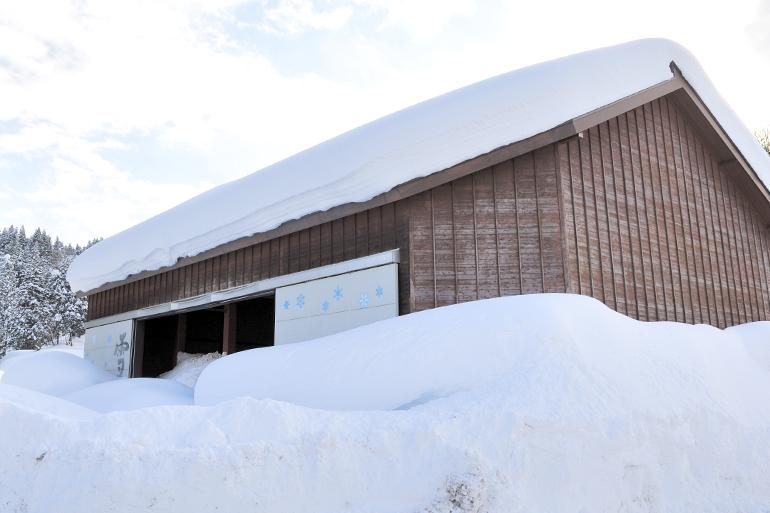 豪雪地帯に古くから伝わる「雪室」で低温熟成