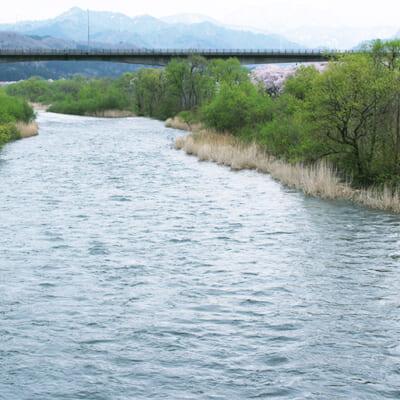 飯豊朝日連邦の大地が育んだ天然ミネラル水