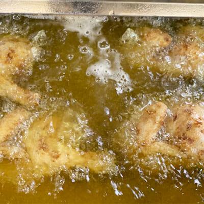 鶏肉の旨味を引き出す鶏油(チーユ)