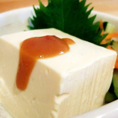 まずはシンプルにお豆腐で、かぐらいおんを味わってみてください