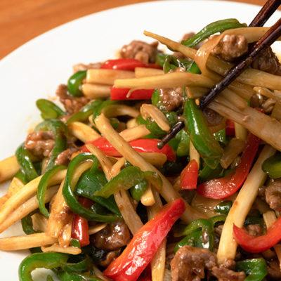 中華料理で引き立つマコモタケの美味しさ